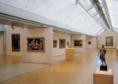 (Kimbell Art Museum. Photo courtesy of Ft. Worth Convention and Visitors Bureau.)